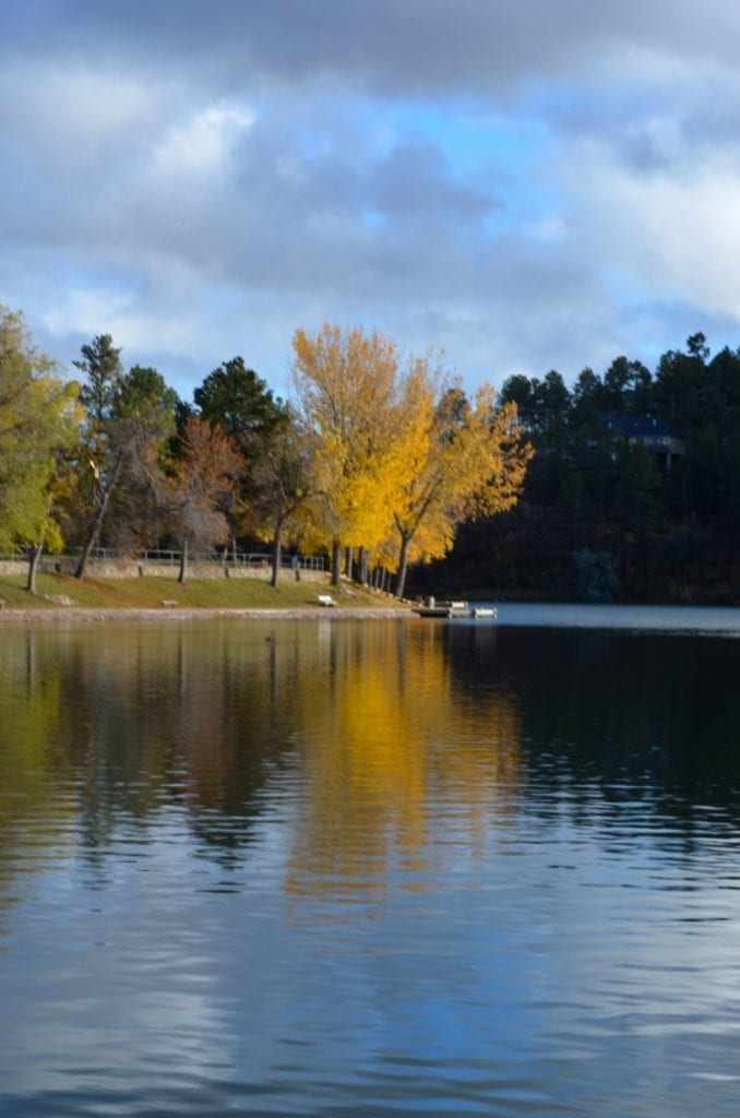 lake with fall foliage